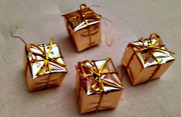 золотые коробочки